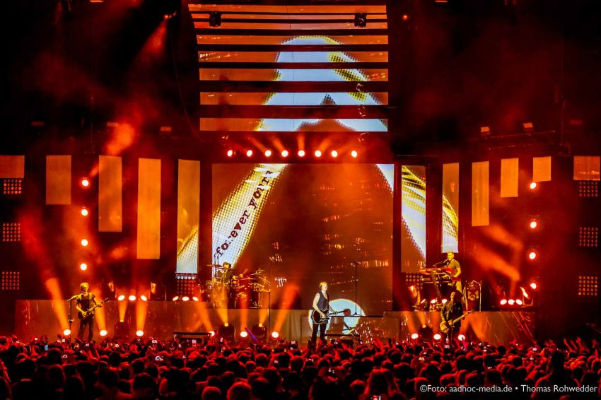 SunriseAve_UnholyGroundTour2014_aadhoc-media-ThomasRohwedder_115_IMG_6060_www
